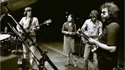 Video: The Grateful Dead Close Out 1977