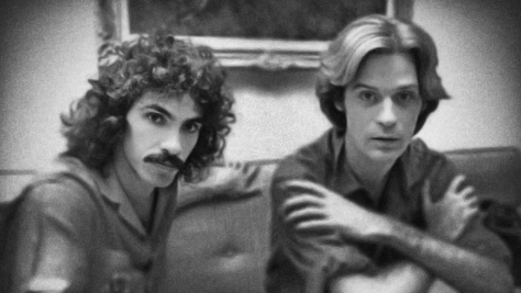 Rock: Hall & Oats Cover the Righteous Brothers