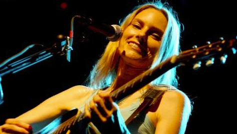 Indie: Aimee Mann's Shining Session