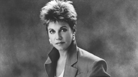 Country: Anne Murray Goes Triple Platinum