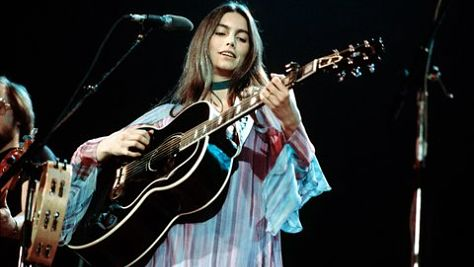 Country: Emmylou Harris' Revealing Tales