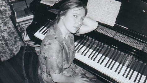 Folk & Bluegrass: Iris DeMent's 'Let the Mystery Be'