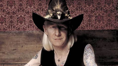 Interviews: Video: Johnny Winter Revists His Roots