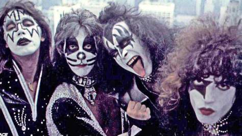 Interviews: KISS Behind the Make-Up